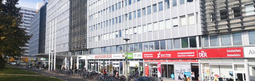 Gebäude vom COMCAVE.COLLEGE Standort Berlin Alexanderplatz