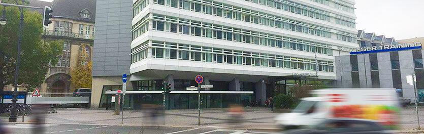 Gebäude vom COMCAVE.COLLEGE Standort Berlin Ernst-Reuter-Platz