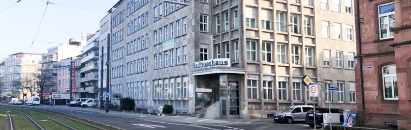 Gebäude vom COMCAVE.COLLEGE Standort Karlsruhe